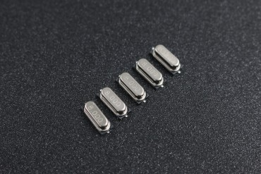 8MHz HC-49S SMD Passive Crystal Oscillator