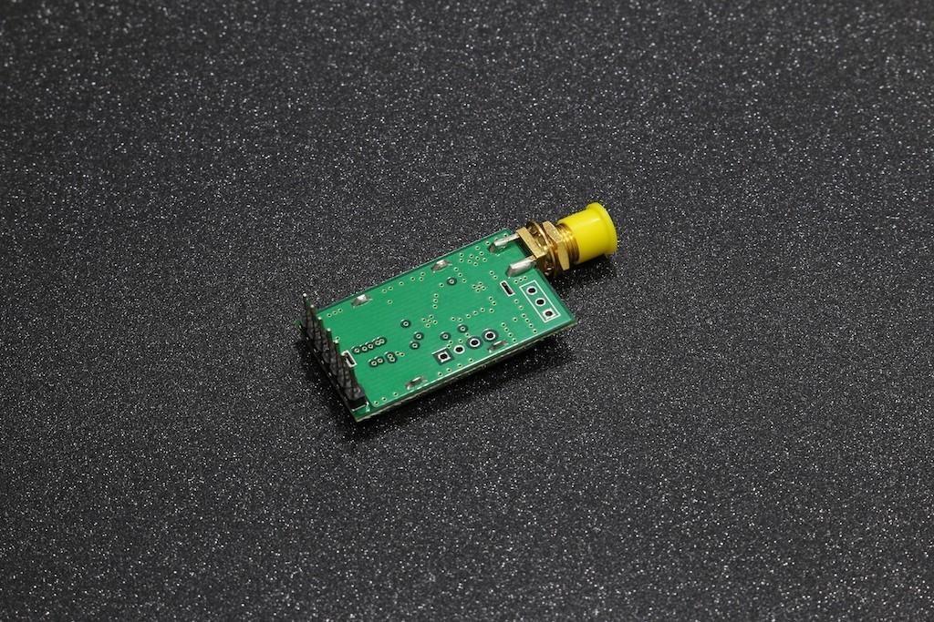 E34-2G4D20D ( nRF24L01P, 2 0km, UART, 2 4~2 518GHz, 10~20dBm, SMA-K